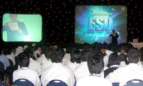 Training ESQ bagi Mahasiswa/i baru UIEU 2007
