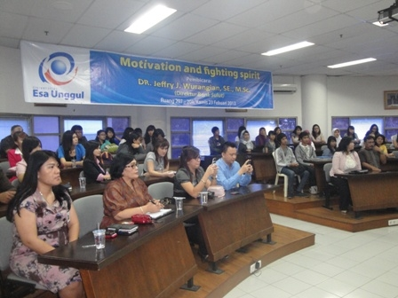 "Kuliah Umum "" Motivation and Fighting Spirit "" oleh Direktur Bank Sulut"