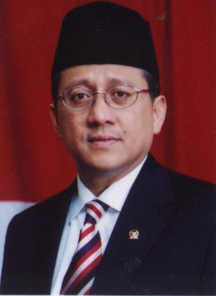 """Orasi Ilmiah """"Mewujudkan Indonesia Yang Mandiri, Maju, Adil, dan Makmur dalam Perspektif Demokrasi dan Kepemimpinan"""" oleh Ir. Irman Gusman, Ketua DPD RI"""