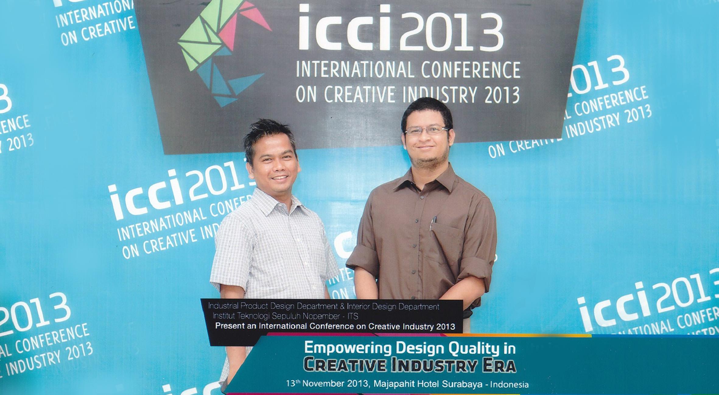 Geggy Gamal Surya, S. Des., M.Des dan Indra Gunara Rochyat, S.Sn, MA (Fakultas Desain dan Industri Kreatif Univ. Esa Unggul) mengikuti International Conference on Creative Industry (ICCI) 2013 di Institut Sepuluh Nopember Surabaya
