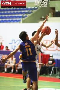 """Tim Basket Putra UEU """" THE SWANS""""  melaju ke Semifinal setelah mengalahkan Tim Basket Putra Universitas Ailangga Surabaya dalam Liga Mahasiswa (LIMA) Basketball season 2013-14 di Yogyakarta"""