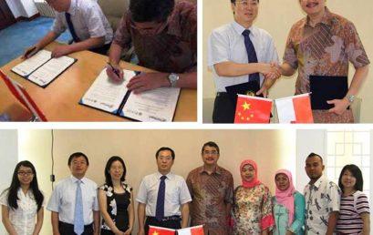 Penandatanganan Kerjasama Universitas Esa Unggul dengan North China Electric Power University, China