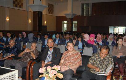 Seminar Nasional Peran Industri dan SDM Indonesia dalam Menyongsong AEC 2015