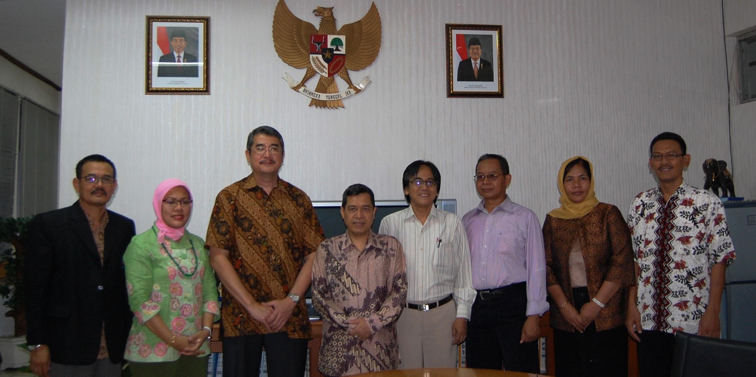 Penandatangan Kerjasama Universitas Esa Unggul dengan Politeknik Negeri Jakarta