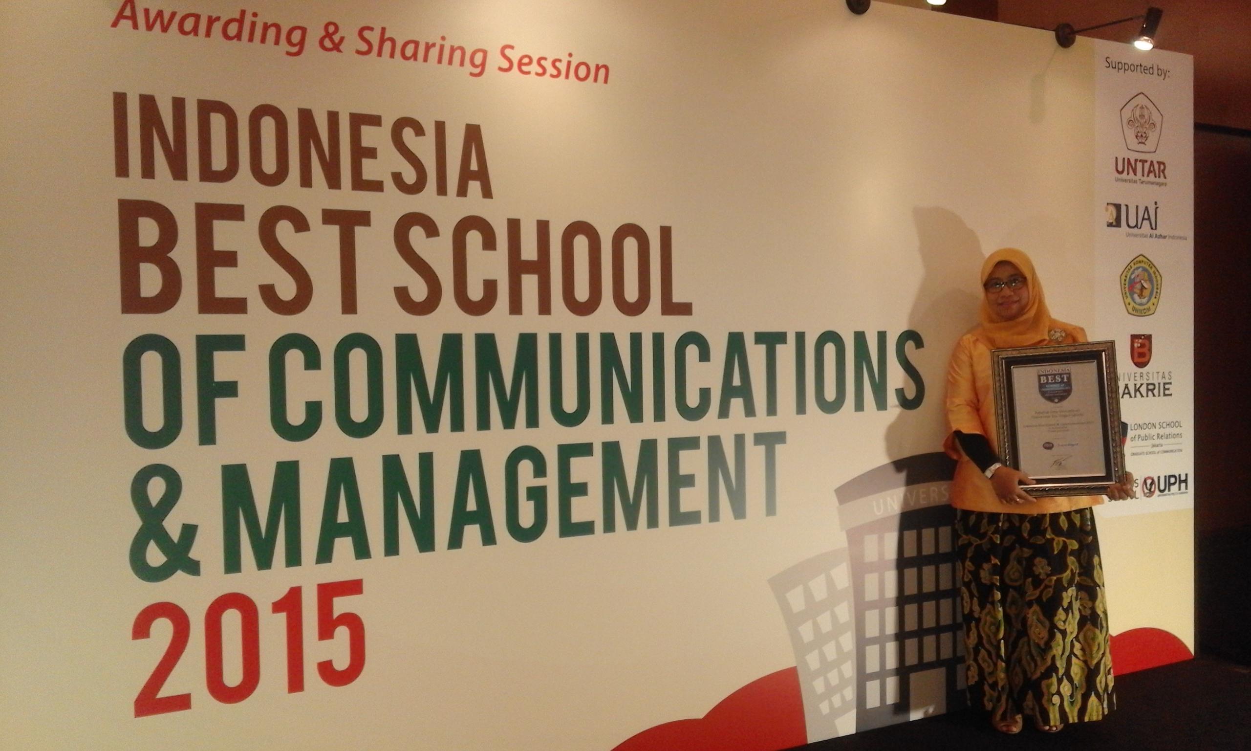 Selamat dan Sukses Fakultas Ilmu Komunikasi, Fakultas Desain dan Industri Kreatif  Universitas Esa Unggul Meraih Penghargaan Indonesia Best School 2015