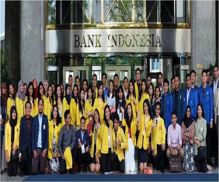 Mahasiswa Fakultas Hukum Universitas Esa Unggul mengikuti Business Law Competition (BLC) and Society Summit yang diselenggarakan oleh Business Law Society (BLS) Universitas Indonesia, Depok