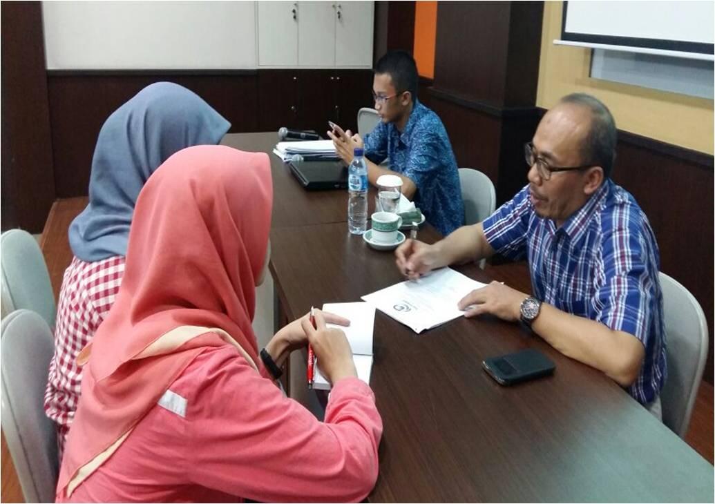 Coaching Clinic Program Kreativitas Mahasiswa  Bidang Gagasan Tertulis Dan Artikel Ilmiah KEMENRISTEK DIKTI Tahun 2016
