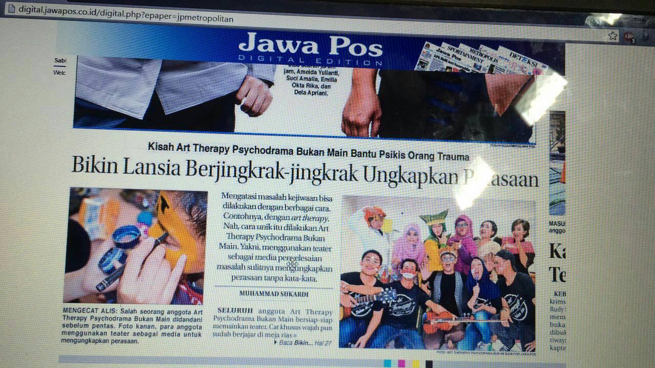 Bikin Lansia Berjingkrak Jingkrak Ungkapkan Perasaan Art Therapy Psychodrama Diliput oleh Jawa Pos 2016