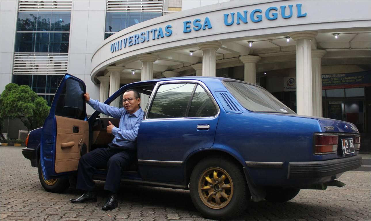 Jokowi Pencari Rumput Yang Lulus S3
