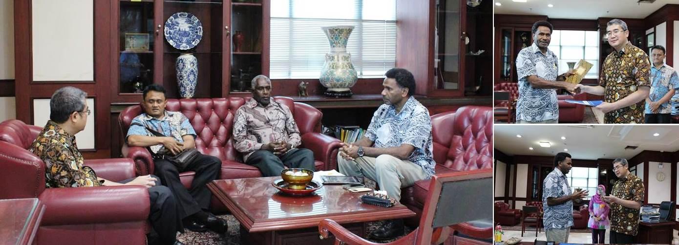 Saat berbincang CEO E. Institute Of Technology Vanuatu dan Perwakilan Departemen Luar Negeri Republik Indonesia