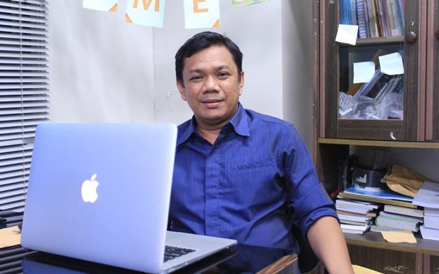 Wahyudin Doktor (S3) Fisioterapi Pertama di Indonesia
