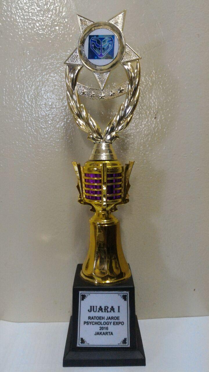 Piala Juara 1 Kompetisi Ratoeh Jaroe
