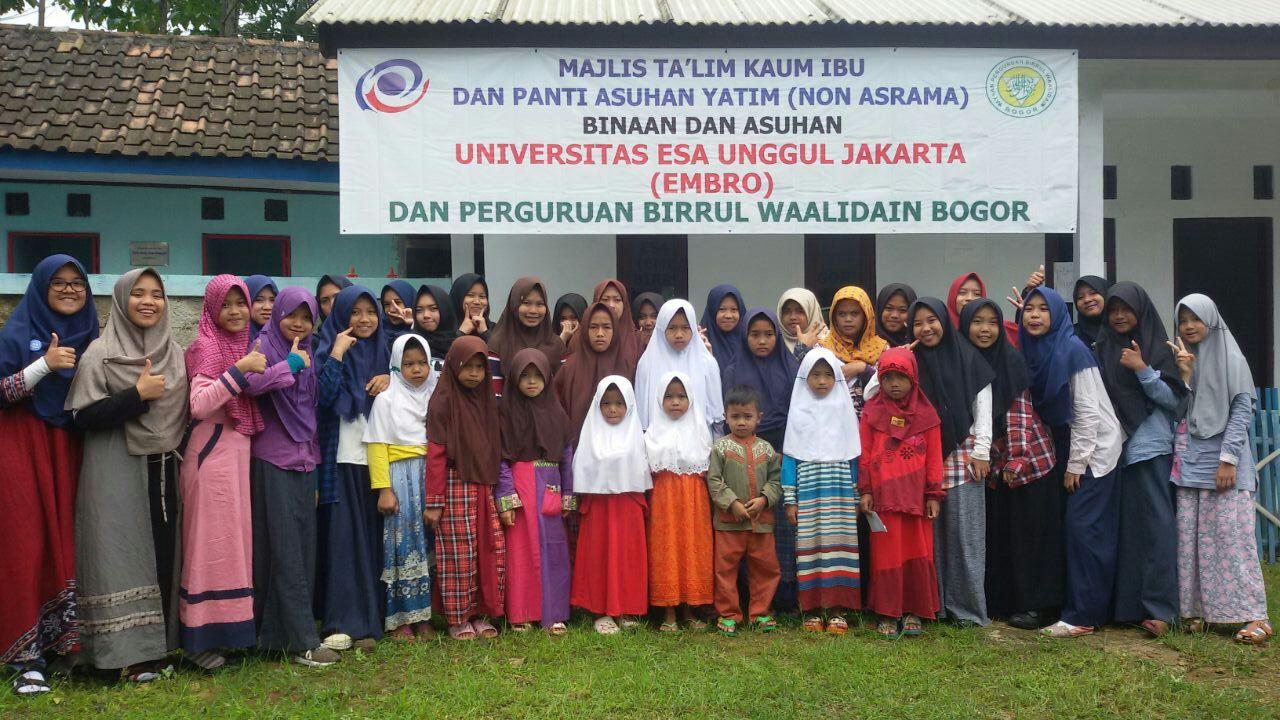Berbagi di Desa Binaan