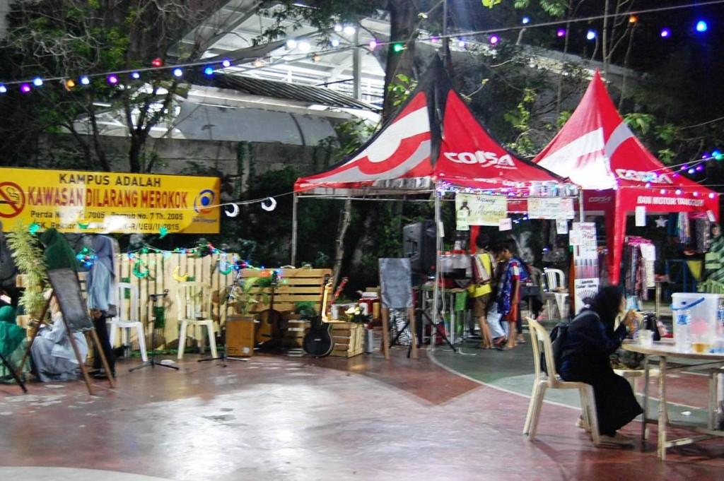 Kemeriahan Bazar Ramadhan E2C