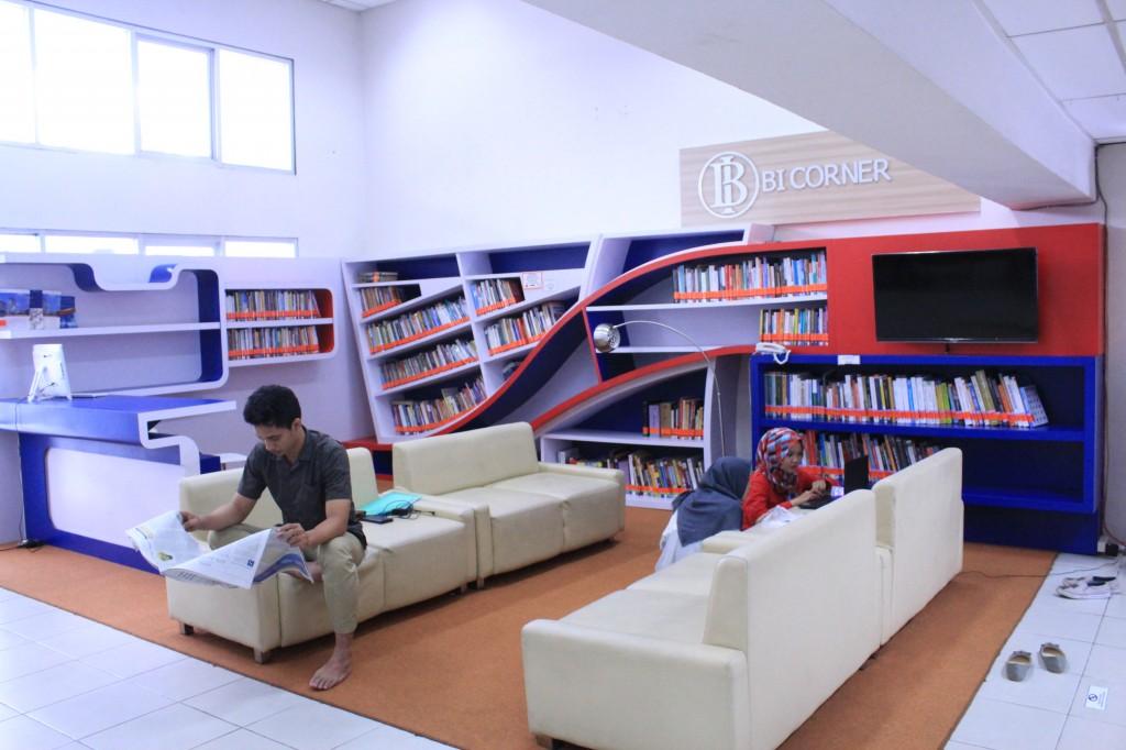BI Corner di Perpustakaan Esa Unggul