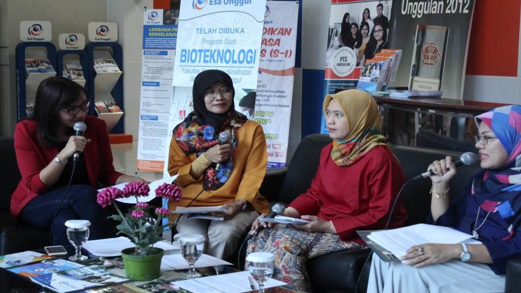 Talkshow KBR Bersama Dengan Civitas Esa Unggul