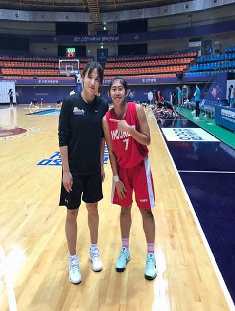 Pemain Basket Putri Universitas Esa Unggul (Kadek Pratita Citta Dewi)