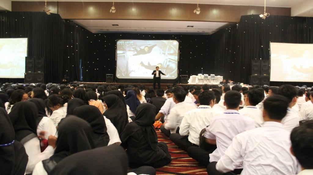 Esa Unggul mengadakan ESQ untuk menyambut Mahasiswa Baru