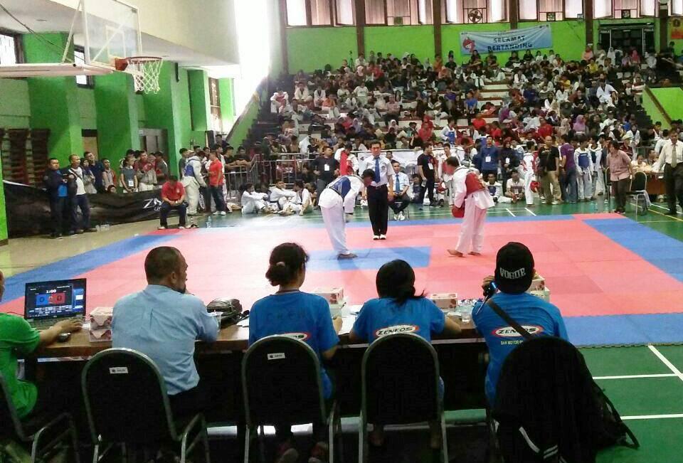 Taekwondo Universitas Esa Unggul Bawa Medali Dalam Ajang Trisula Cup