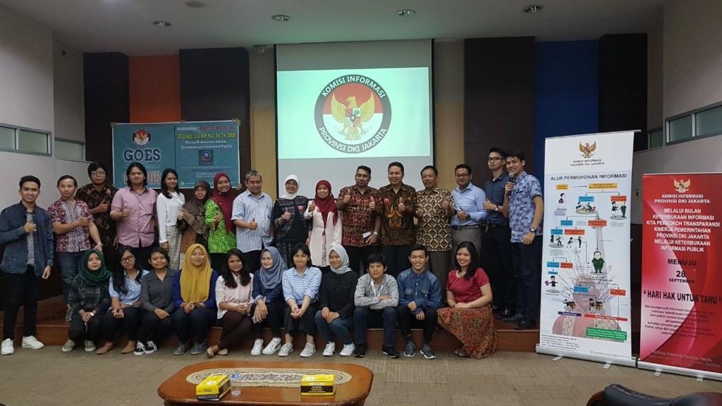 Foto Bersama saat Forum Group Discussion (FGD) Fakultas Hukum Esa Unggul