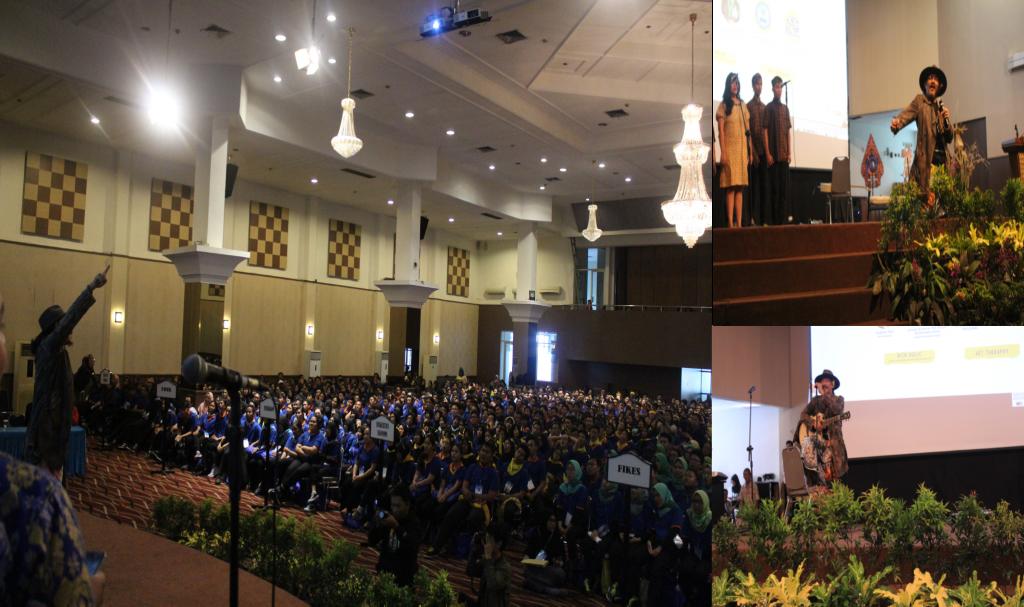 Suasana Saat Sujiwo Tejo menyampaikan Seminarnya di depan Mahasiswa Baru