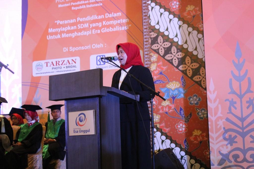 Koordinator Kopertis III Dr. Illah Saillah