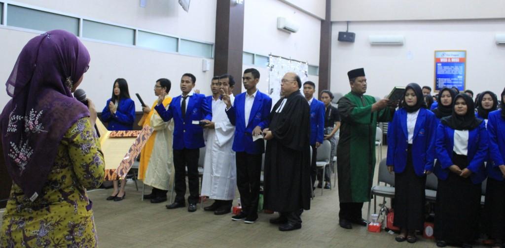 Prosesi Pengambilan Sumpah yang langsung dilakukan oleh Ketua DPD Pormiki Jakarta