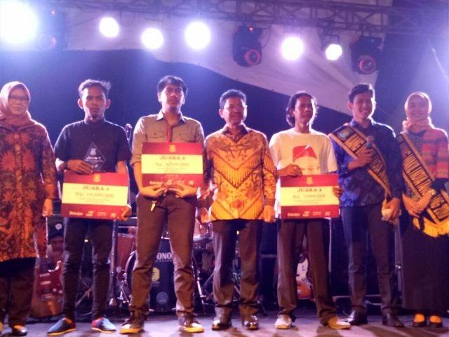 Lewat Film Dokumenter Ki Tanggerang Mahasiswa Fikom Esa Unggul Rebut Juara 1 Lomba Foto dan Video Pariwisata Tangerang 2017