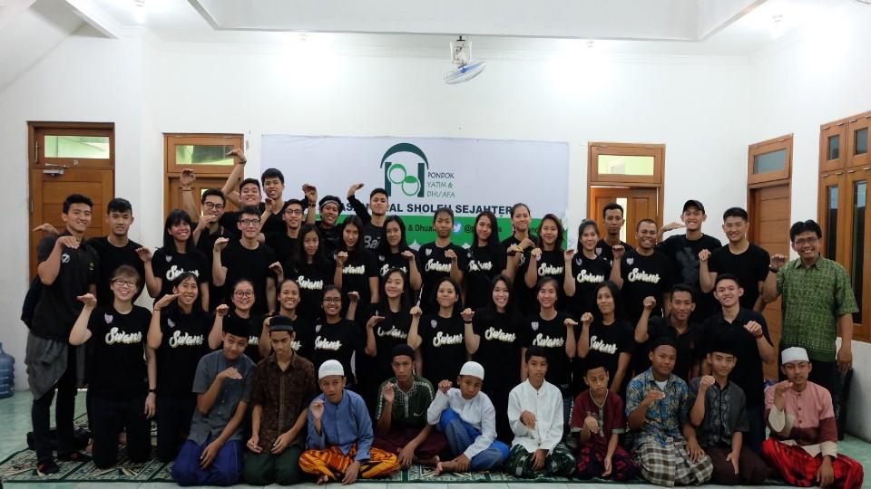 The Swans Adakan SRP ke Yayasan Amal Sholeh Sejahtera