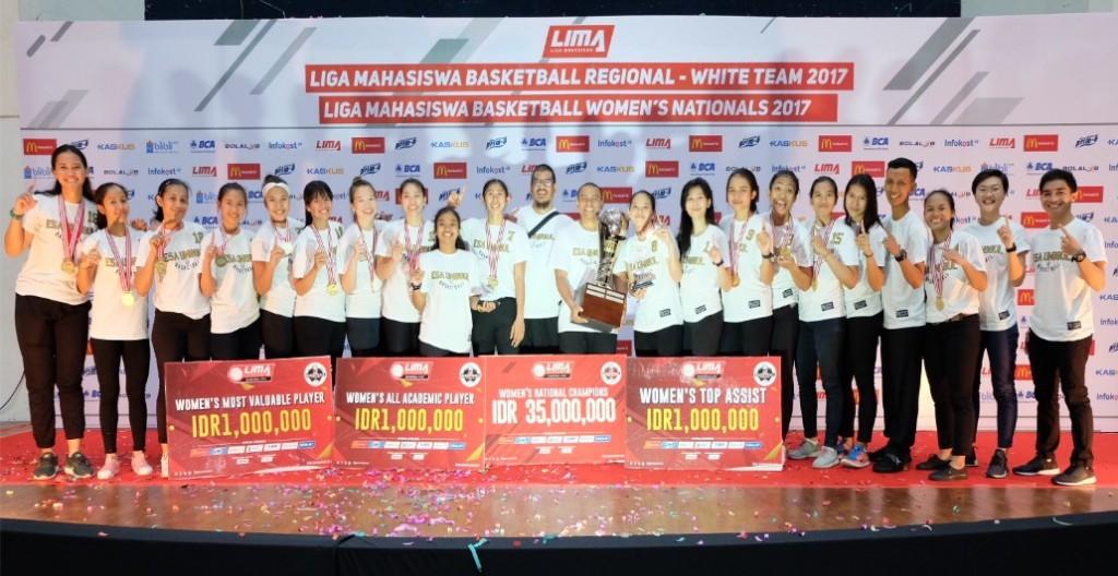 Tim The Swans Putri Esa Unggul Juara di LIMA Malang