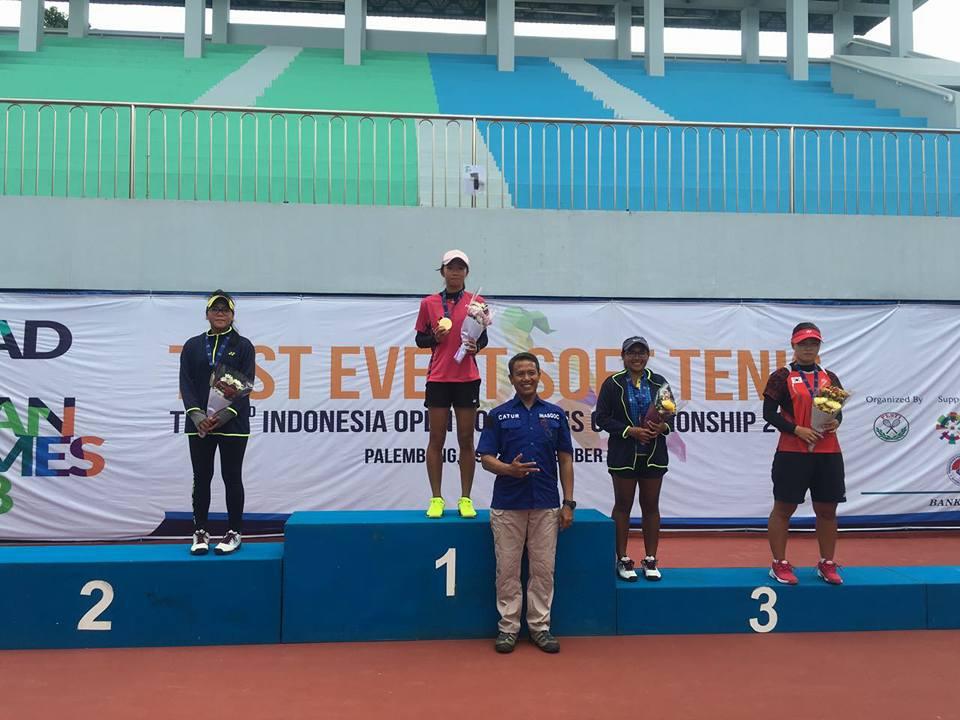 Dwi Rahayu Fitri Juarai Indonesian Open Soft Tennis Championships 2017