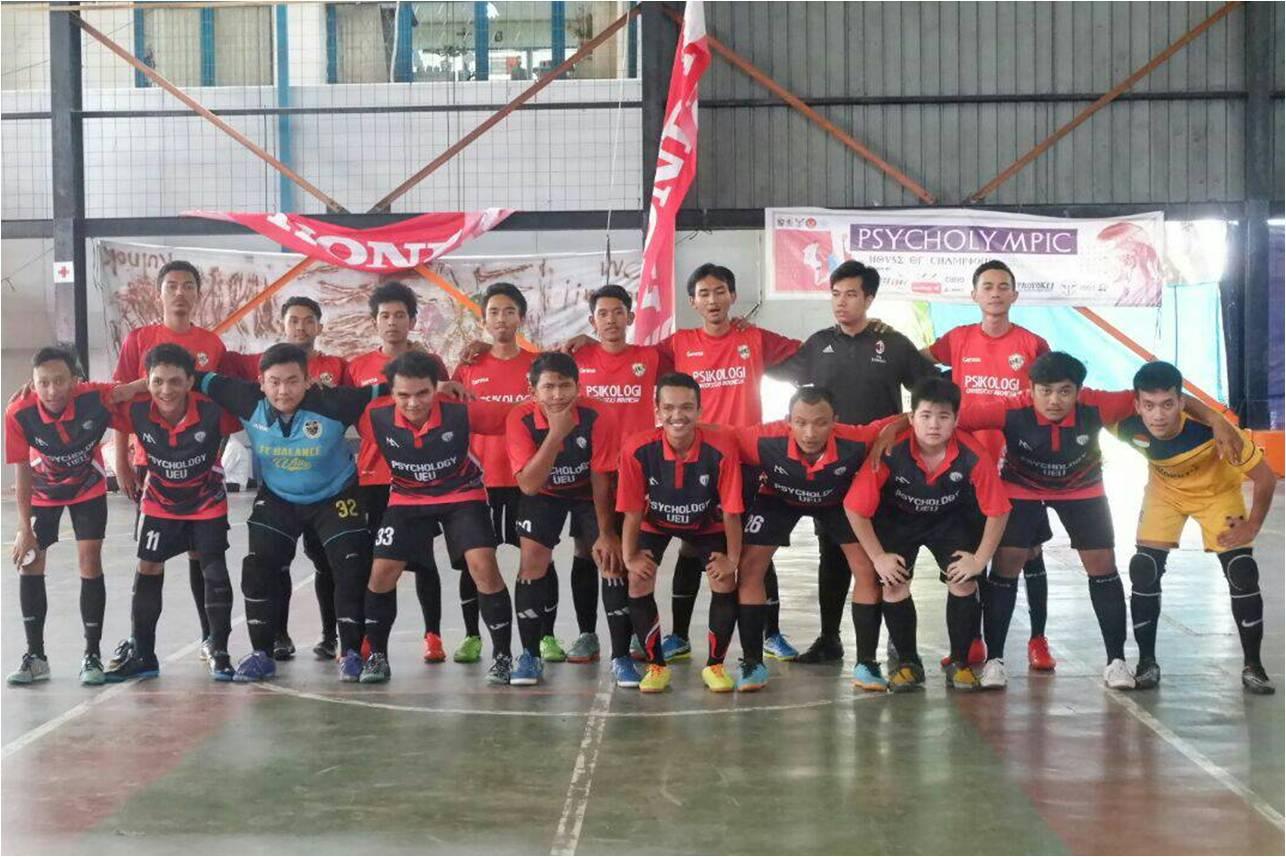 Psikologi UEU Sabet Juara 3 Futsal di Ajang Psycholympic