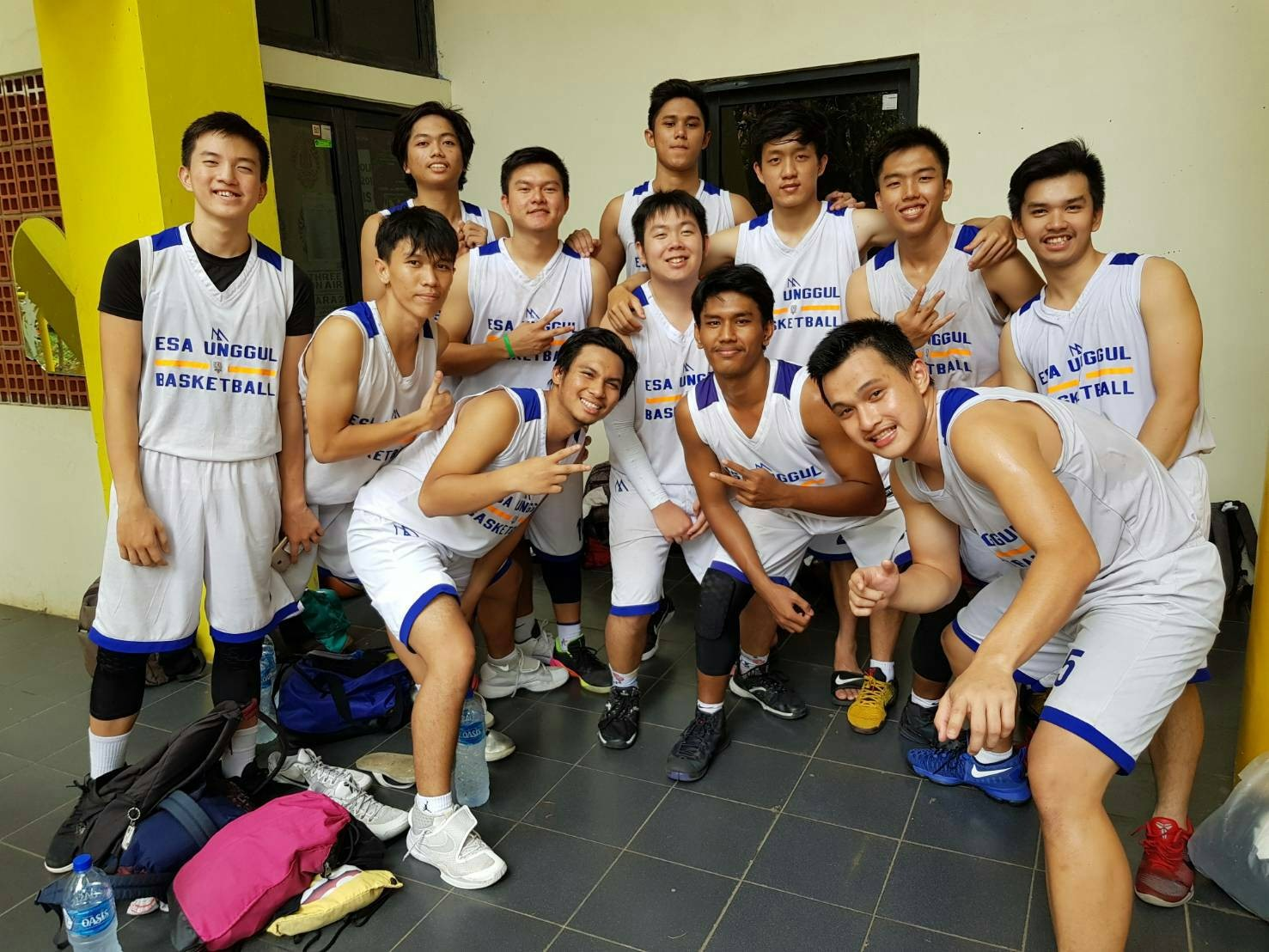 Tim Basket Putera Universitas Esa Unggul Runner Up di Universiade Universitas Indonesia 2017