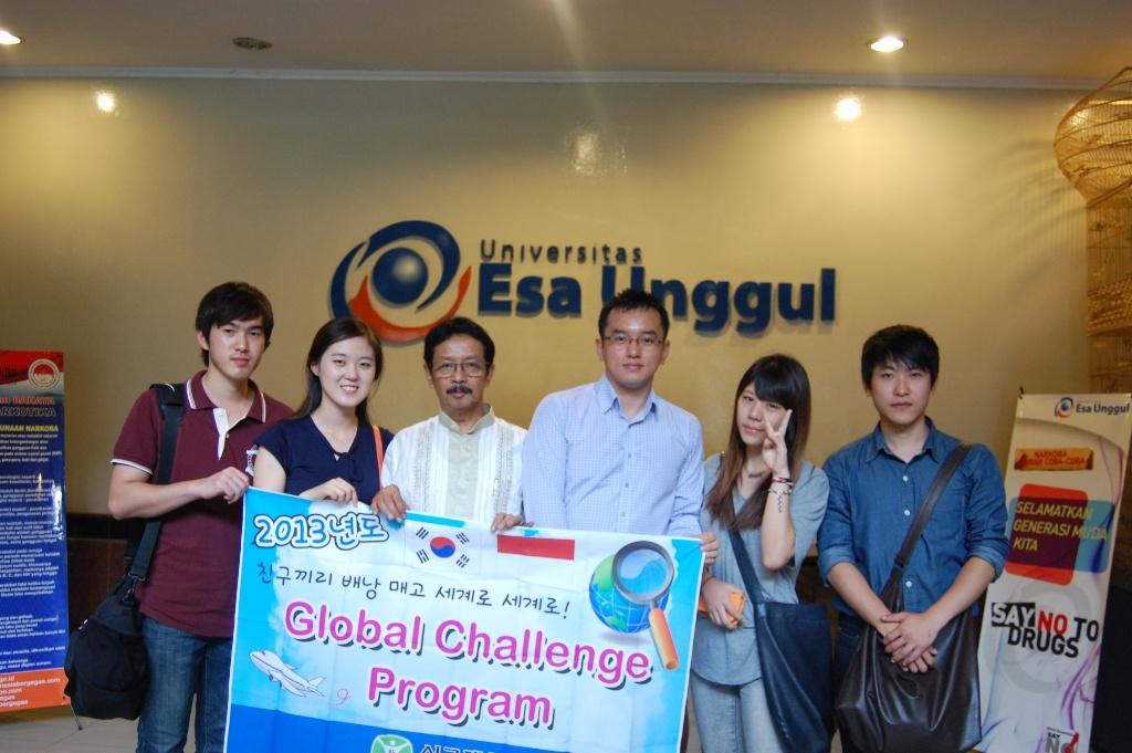 Foto Kunjungan Mahasiswa Korea ke Klinik Fisioterapi