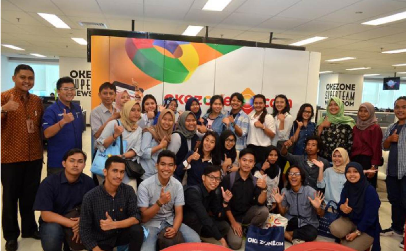 Mahasiswa FIKOM Esa Unggul Belajar Seluk Beluk Media di Redaksi Okezone.com