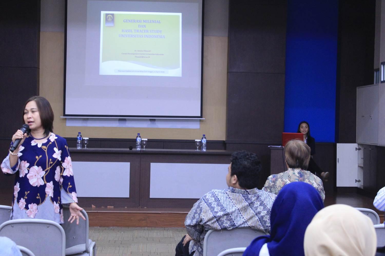 Esa Unggul Gelar Seminar Tracer Study & Konseling Mahasiswa