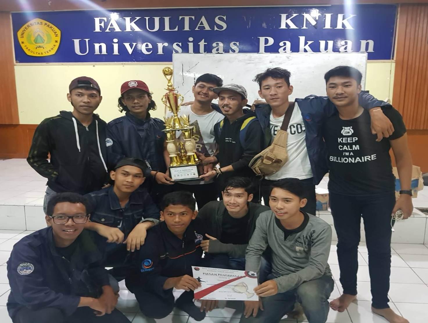 Tim Futsal Prodi Perencanaan Wilayah dan Kota Esa Unggul Sabet Gelar Juara di Planofriendship se-Jabodetabek