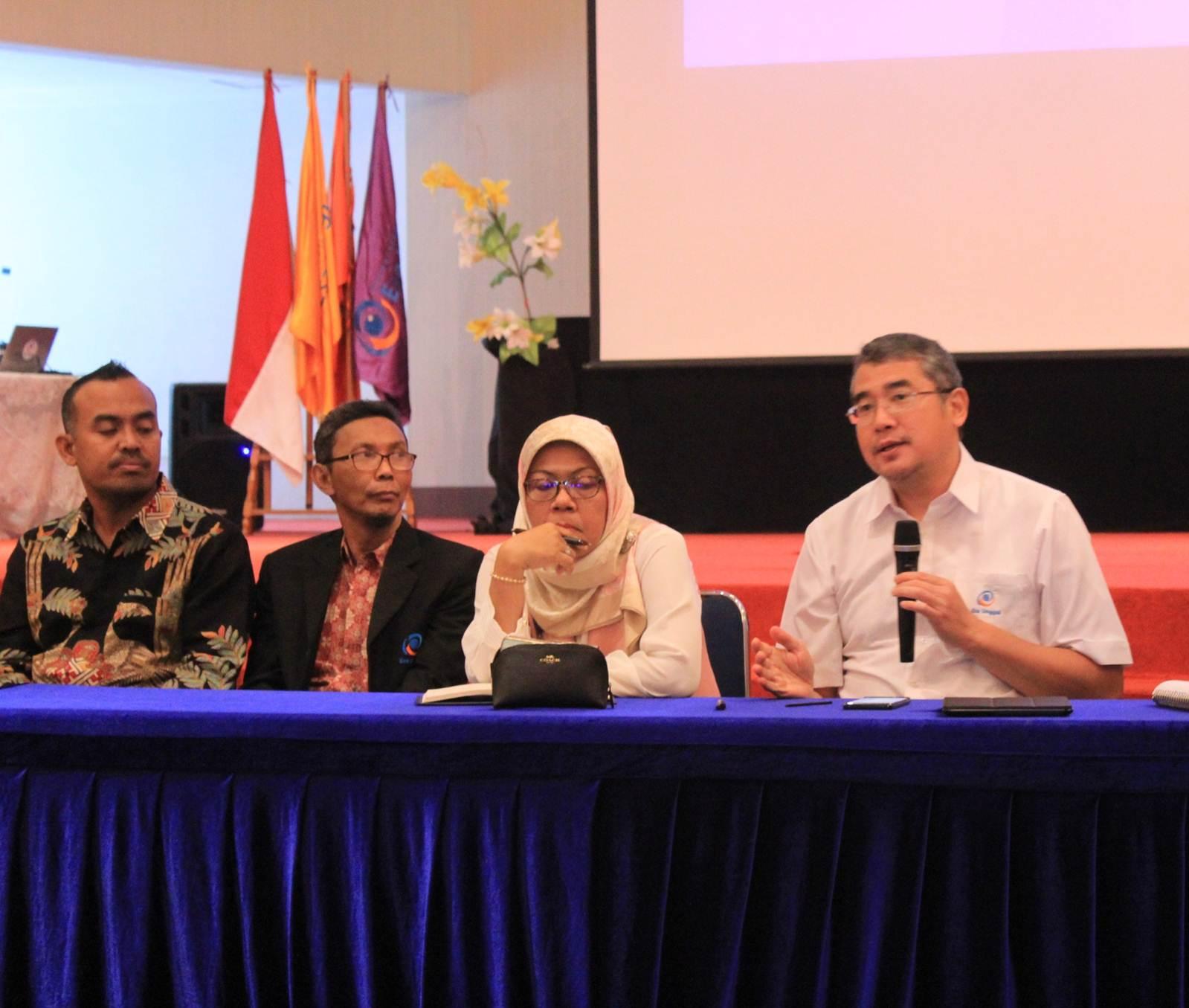 Rektor Universitas Esa Unggul Minta Para Dosen Maksimalkan Hybrid Learning Kepada Mahasiswa