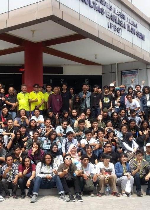 Desain Komunikasi Visual Esa Unggul ikuti KMDGI ke-XIII di Padang