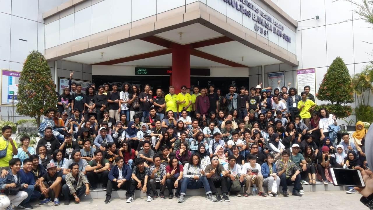 Foto Bersama KMDGI ke-`XIII di Padang