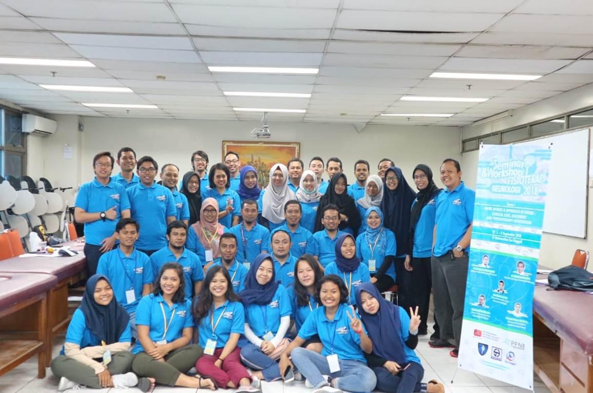 Foto Bersama Seminar dan Workshop Fisoterapi