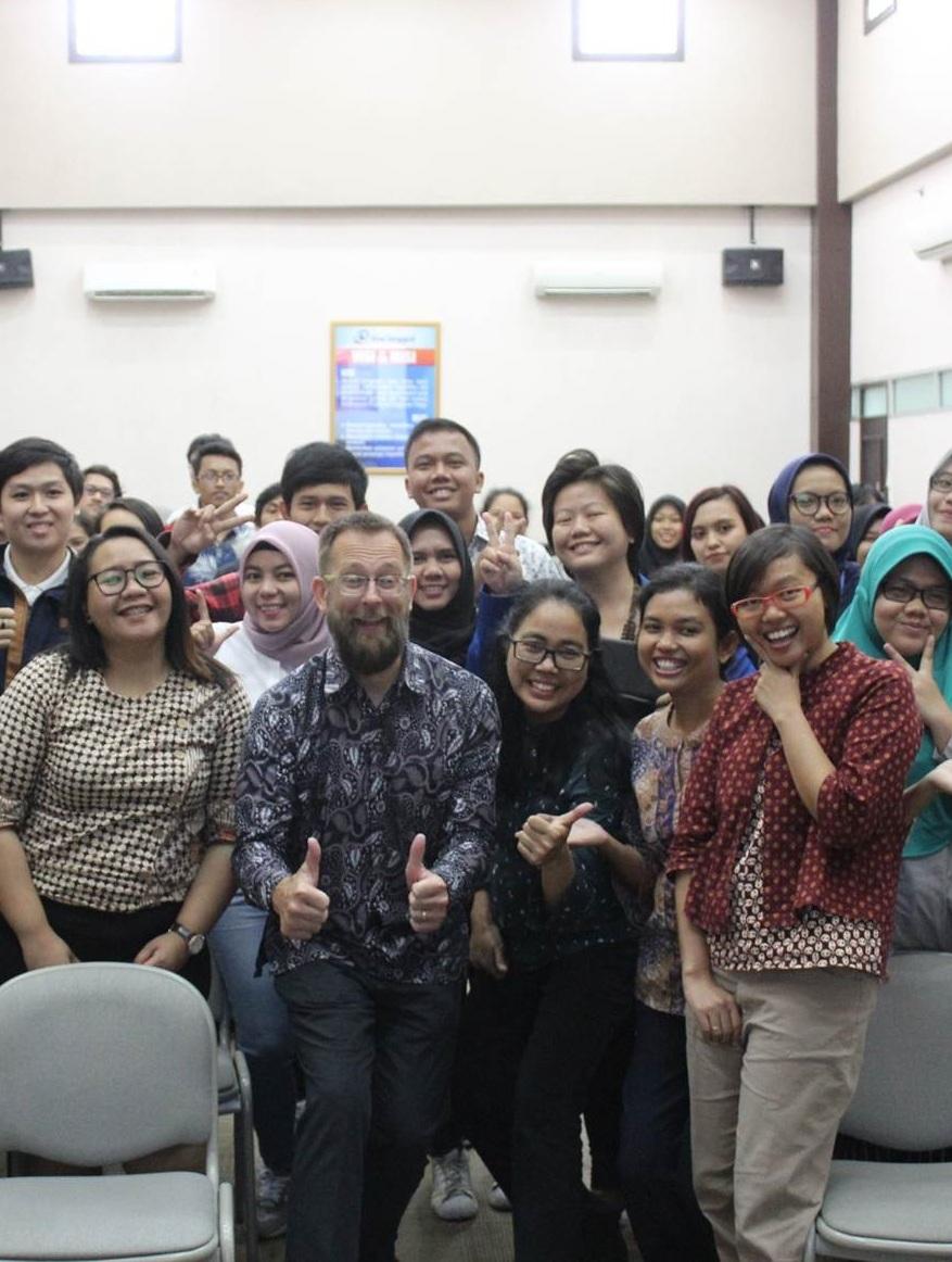Lembaga Bahasa dan Kebudayaan UEU Gelar Seminar Terkait Peningkatan Kemampuan Bahasa Inggris di era industri 4.0.