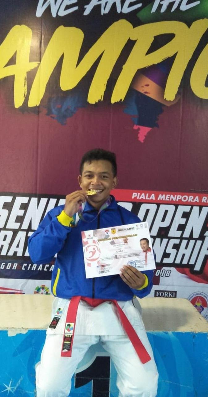 Mahasiswa Fikom Esa Unggul Berhasil Juara 1 Kejuaraan Nasional Senkaido 2 Open Karate Piala Kemenpora