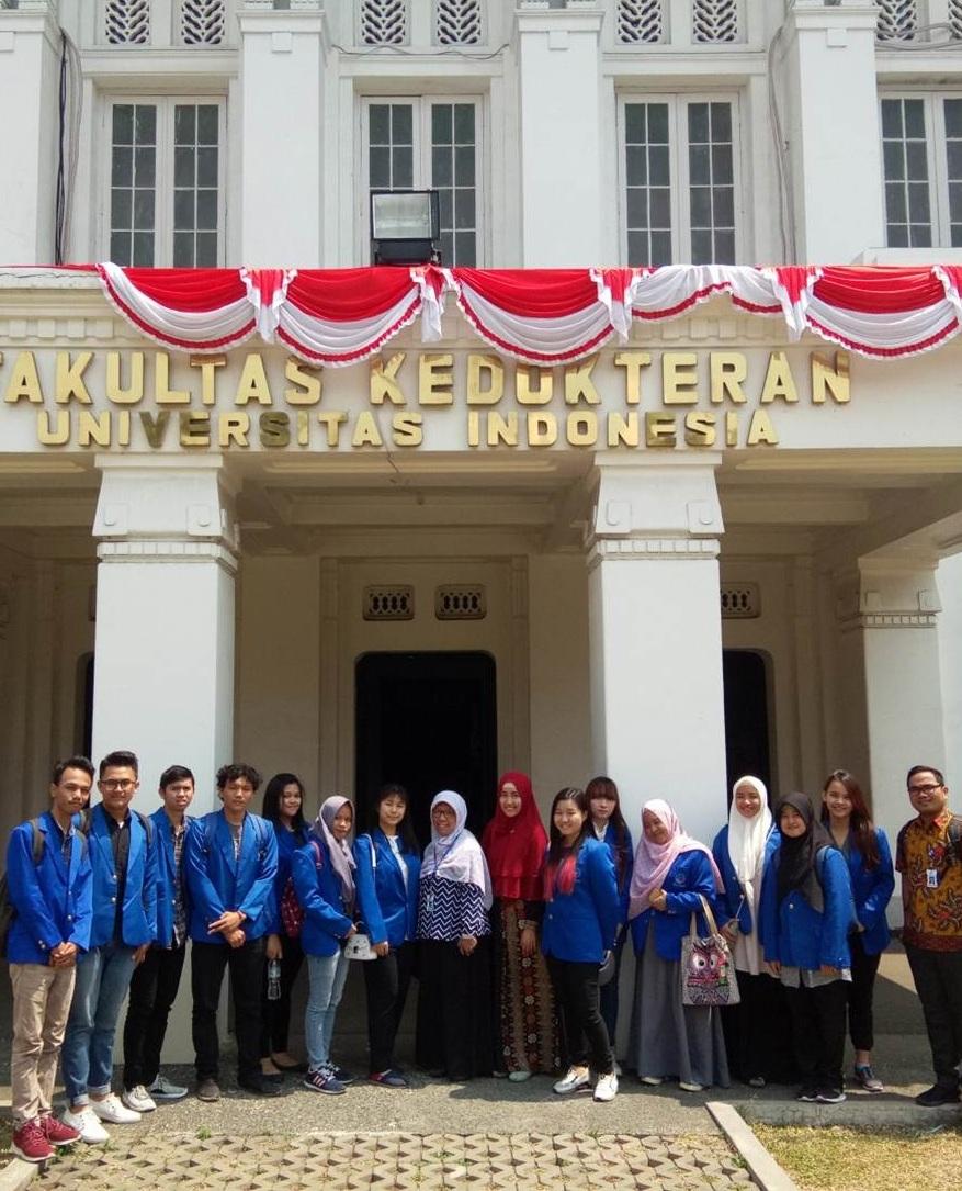 Serunya Kunjungan Mahasiswa Biotek UEU ke Pusat Riset Virologi dan Kanker Patologi