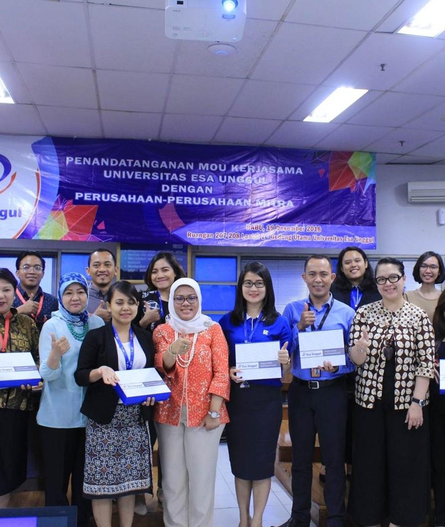 Tingkatkan Link and Match dengan Industri, Universitas Esa Unggul Gelar Penandatanganan MoU bersama Perusahaan Mitra