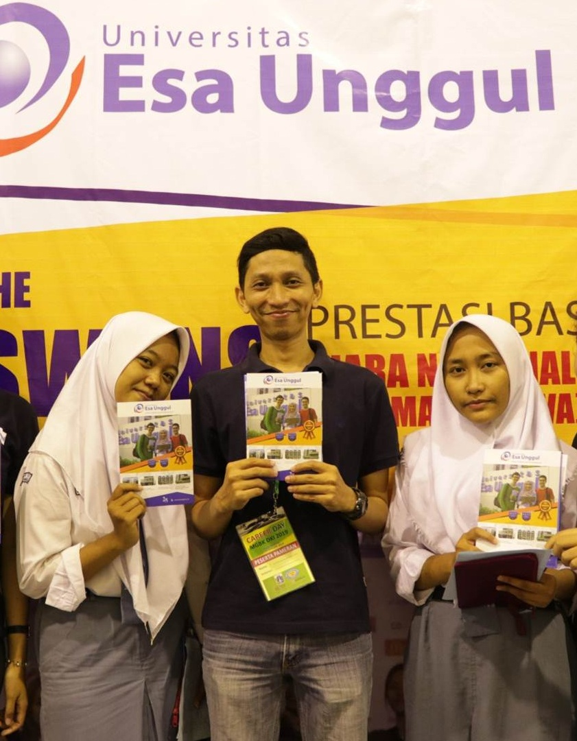 Universitas Esa Unggul Hadir di MGBK Career Day Balai Kartini