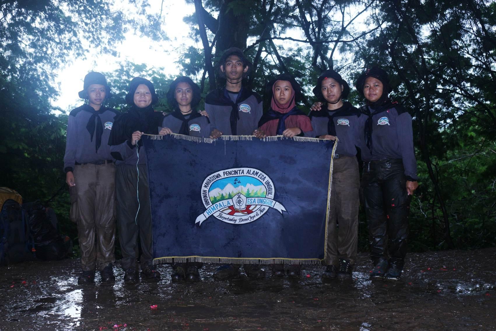 Tujuh anggota Muda Himpala UEU