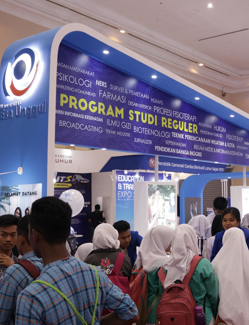 Esa Unggul University Participated in IIETE 2019 Exhibition at JCC Senayan
