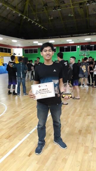 Mahasiswa Universitas Esa Unggul Raih Juara 3 Tunggal Putra Bulutangkis  di SYSTOLIC 2019