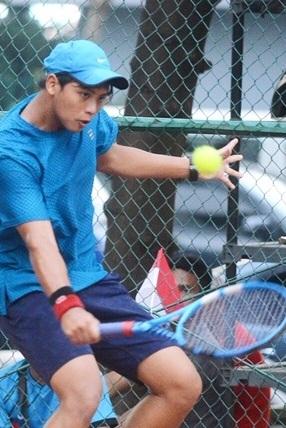 Mahasiswa Universitas Esa Unggul Raih Juara di HYGGE TENNIS TOURNAMENT